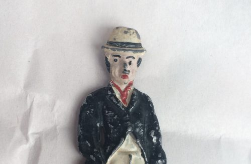 Chaplin lead semi flat toy