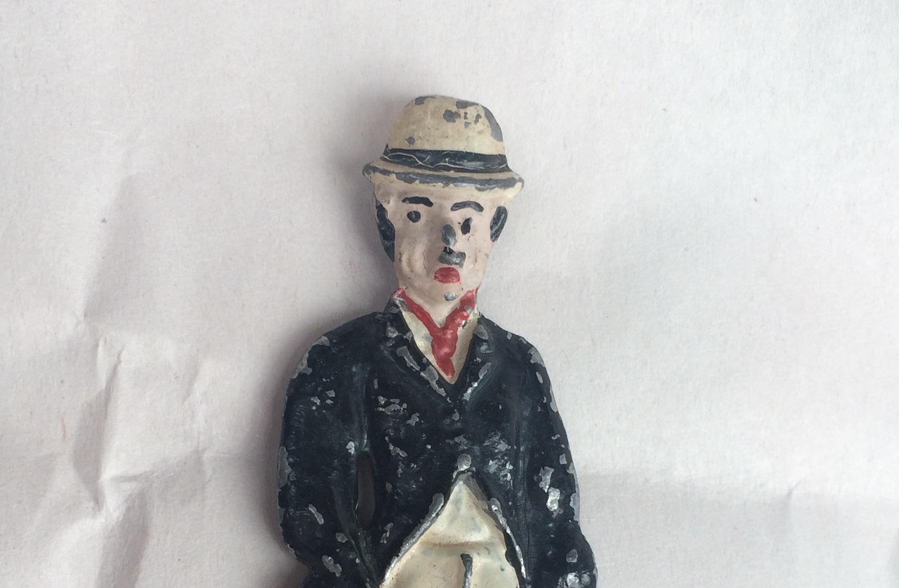Chaplin lead semi flat toy