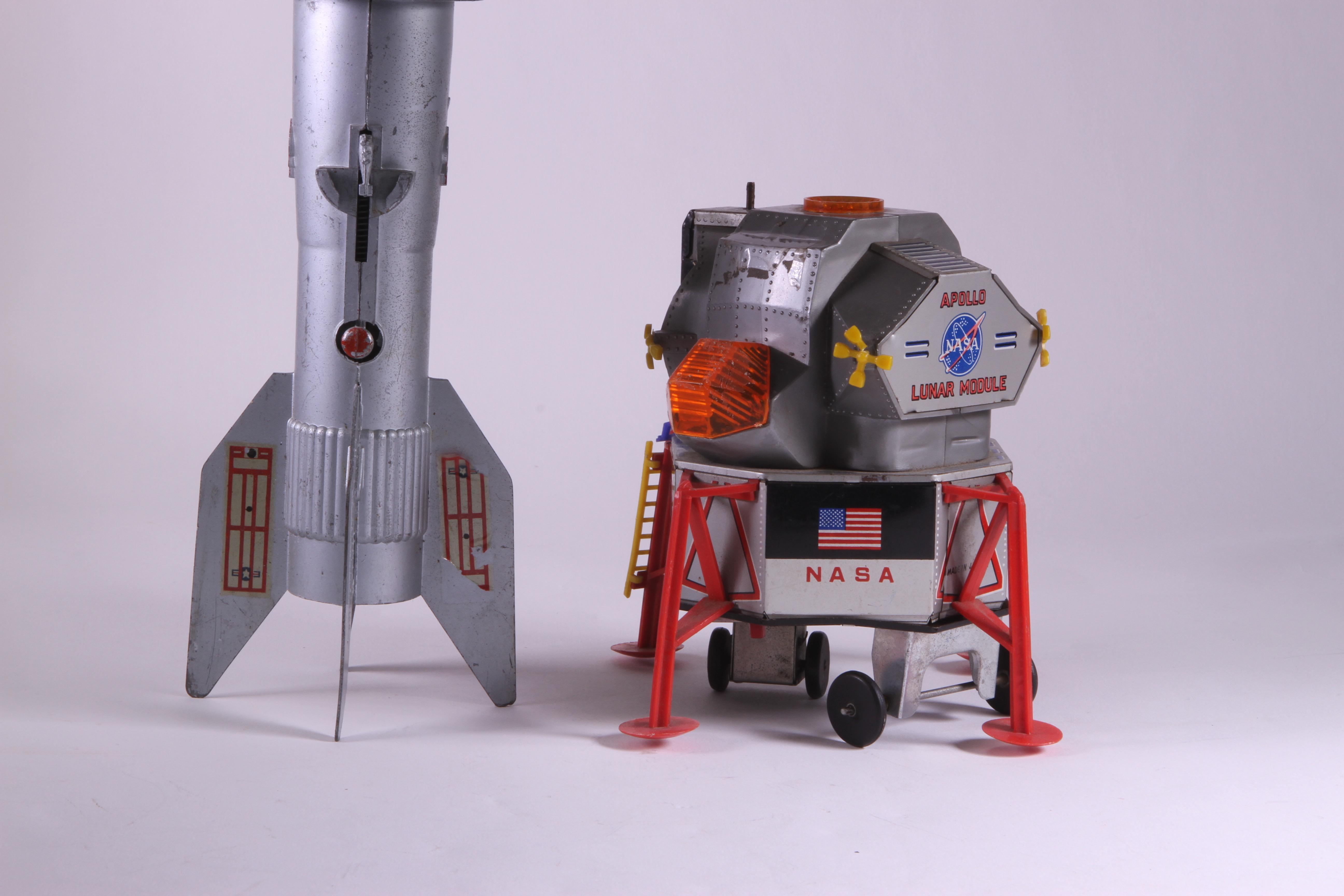 Vintage Space Toys : Xsold astro rocket bank berzac and nasa apollo module