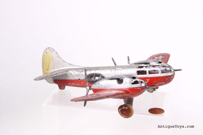 Bell-Aircuda-bomber-Hubley_edited-1