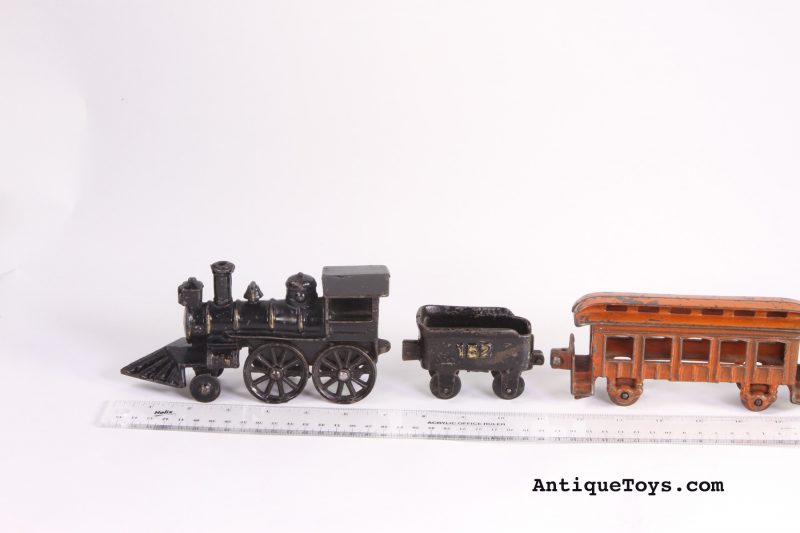 Dent-cast-iron-railroad-engine-tender