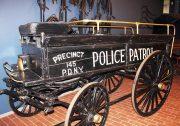 1900-Paris-Mfg-Co-Police-Patrol-Wagon-02