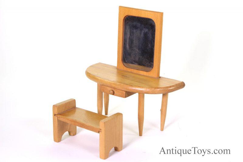 Kohner-Doll-antique-furniture01