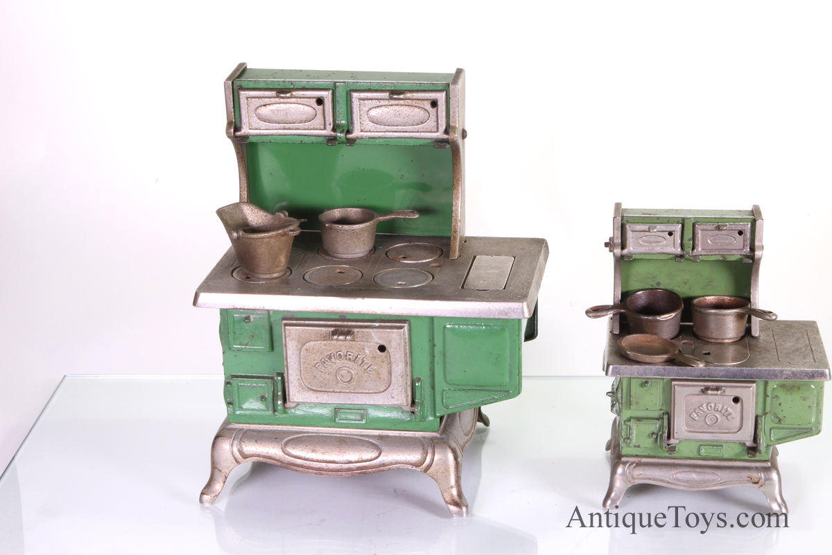 Kenton Stove Favorite Large And Small Cast Iron Antique