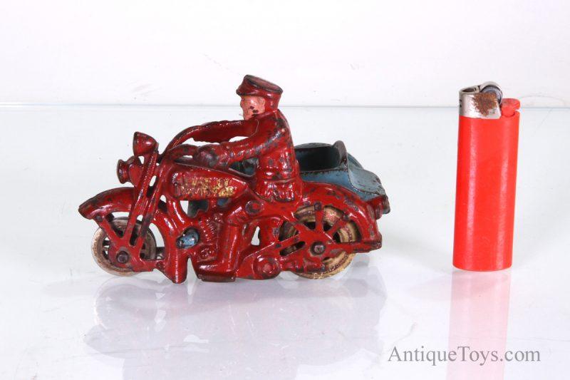 Hubley-cast-iron-Harley-davidson-motorcycle01
