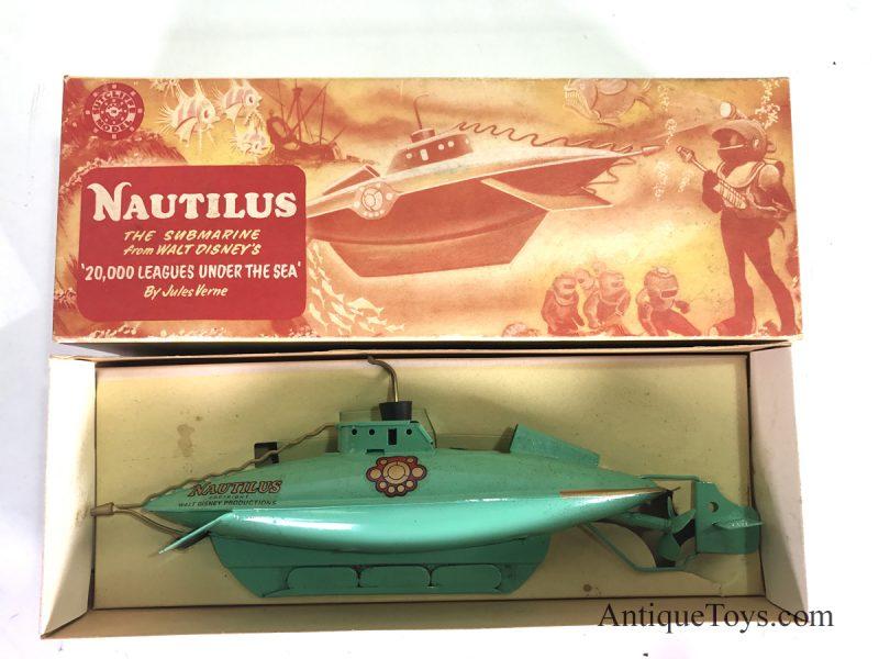 Nautilus-Disney-Submarine-toy-England04