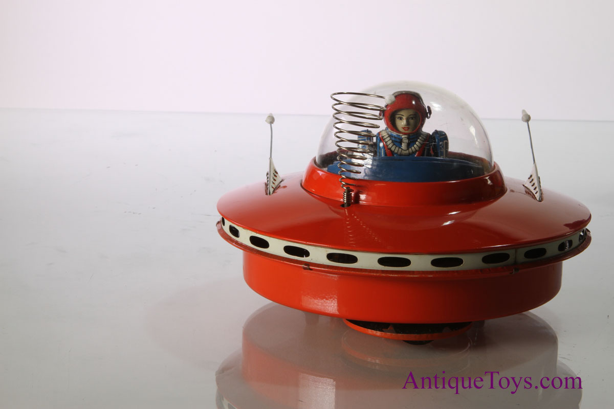 Iron Horse Motorcycles >> Battery Powered Flying Saucer with Space Pilot *SOLD* - Antique Toys for Sale