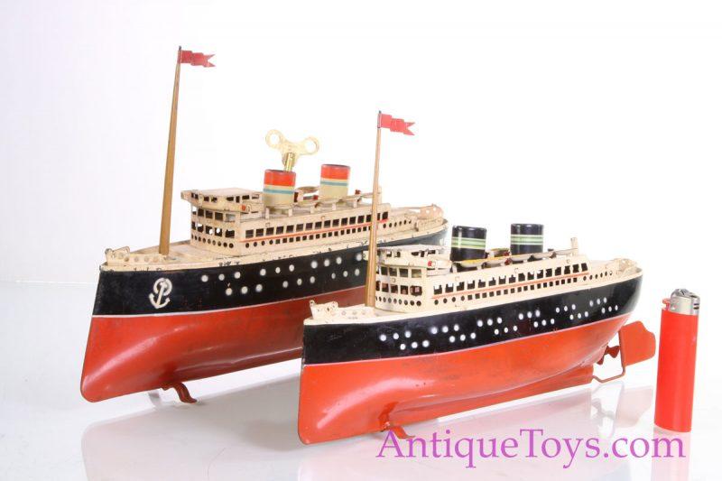 Arnold tin windup ships