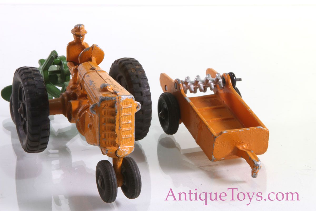Toy Tractors For Sale >> Mm Cast Tractor In Aluminum For Sale Pending Antique Toys For Sale