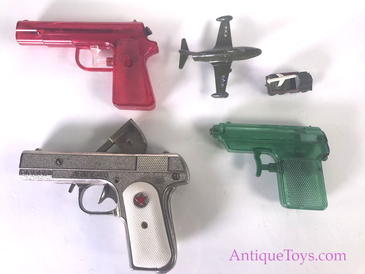 Hubley Cap Gun Cast Wartime Vehicles Amp Water Guns Sold